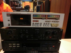 TEACのカセットデッキV-9