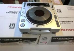 パイオニアのCDJ-800MK2